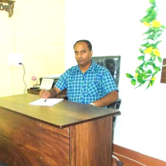 Dr. Nilesh Madkikar